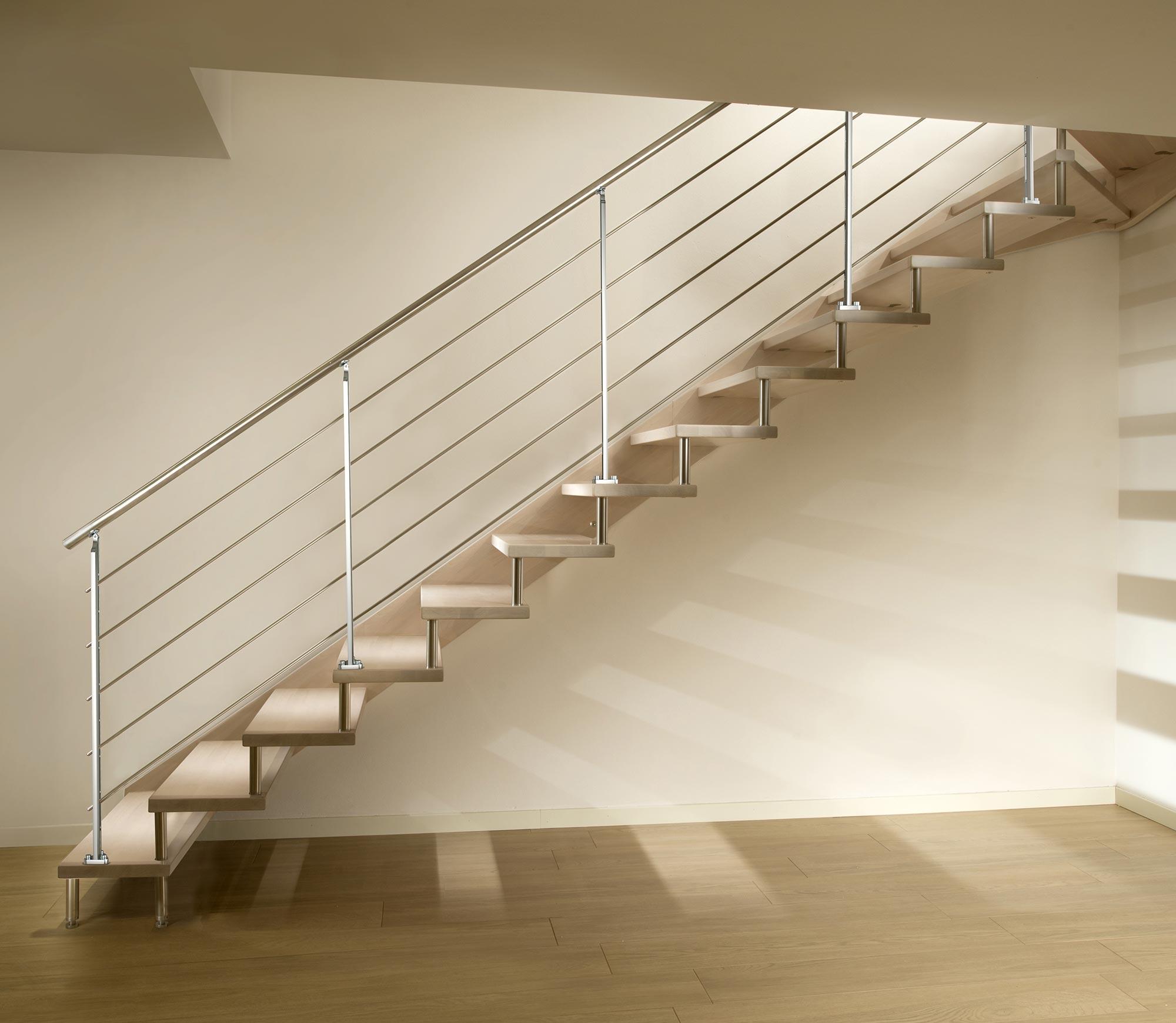 scale marretti flo Scala con struttura a monofascia laterale e scalini in faggio finger-joint con ringhiera in acciaio inox