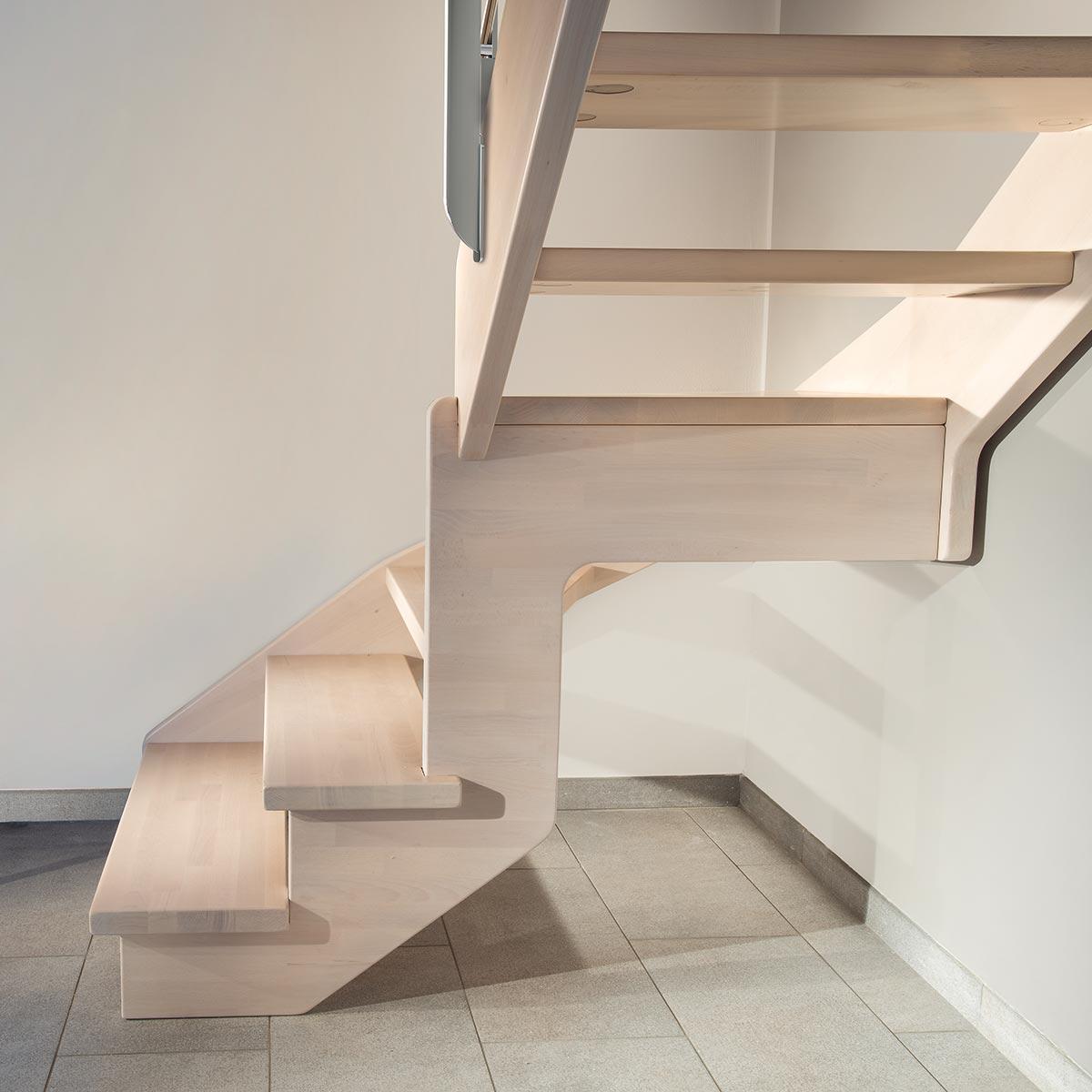 scale Marretti con ringhiera in acciaio inox e corrimano in legno